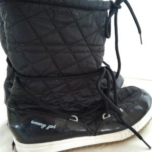 Shoes - Tommy Girl snow boots